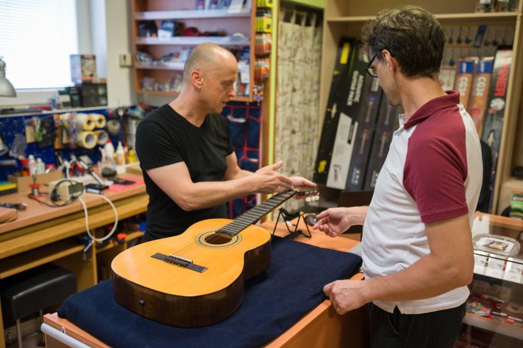 Oprava kytary Kyjov